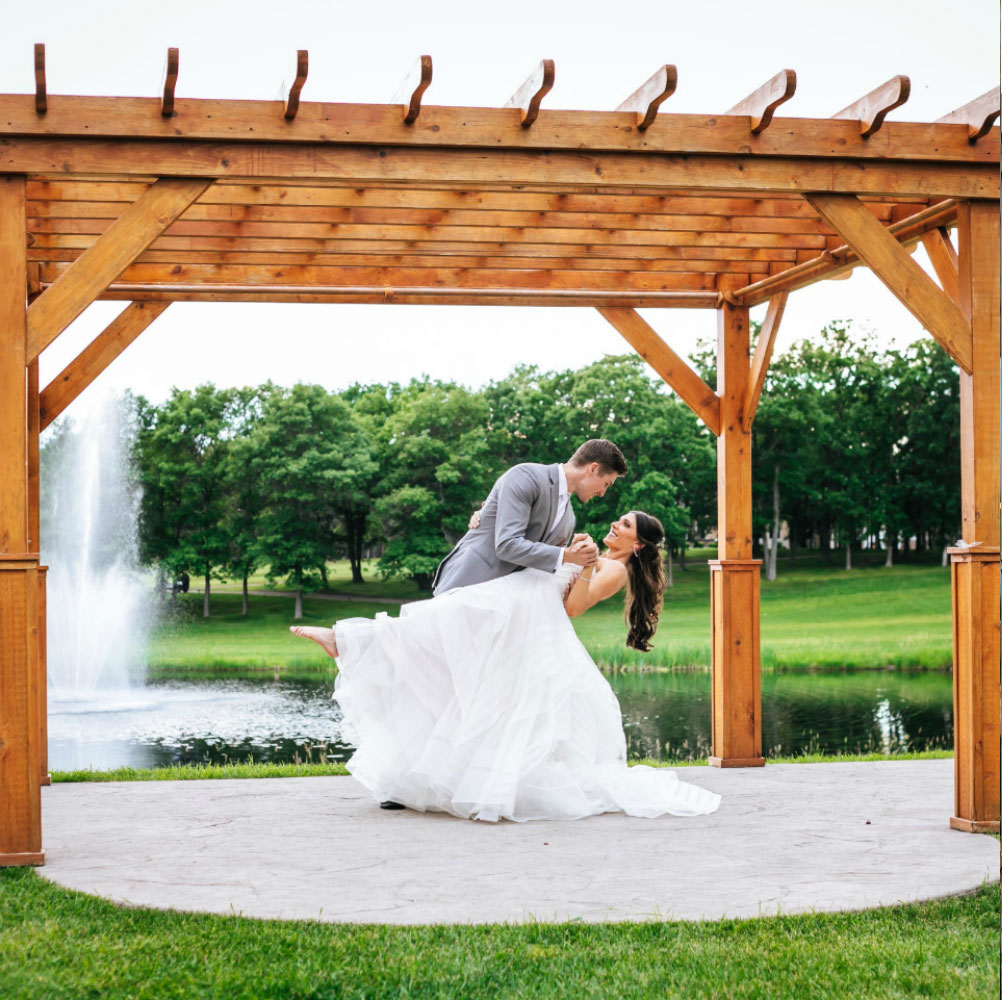 Pergola wedding at Thumper Pond