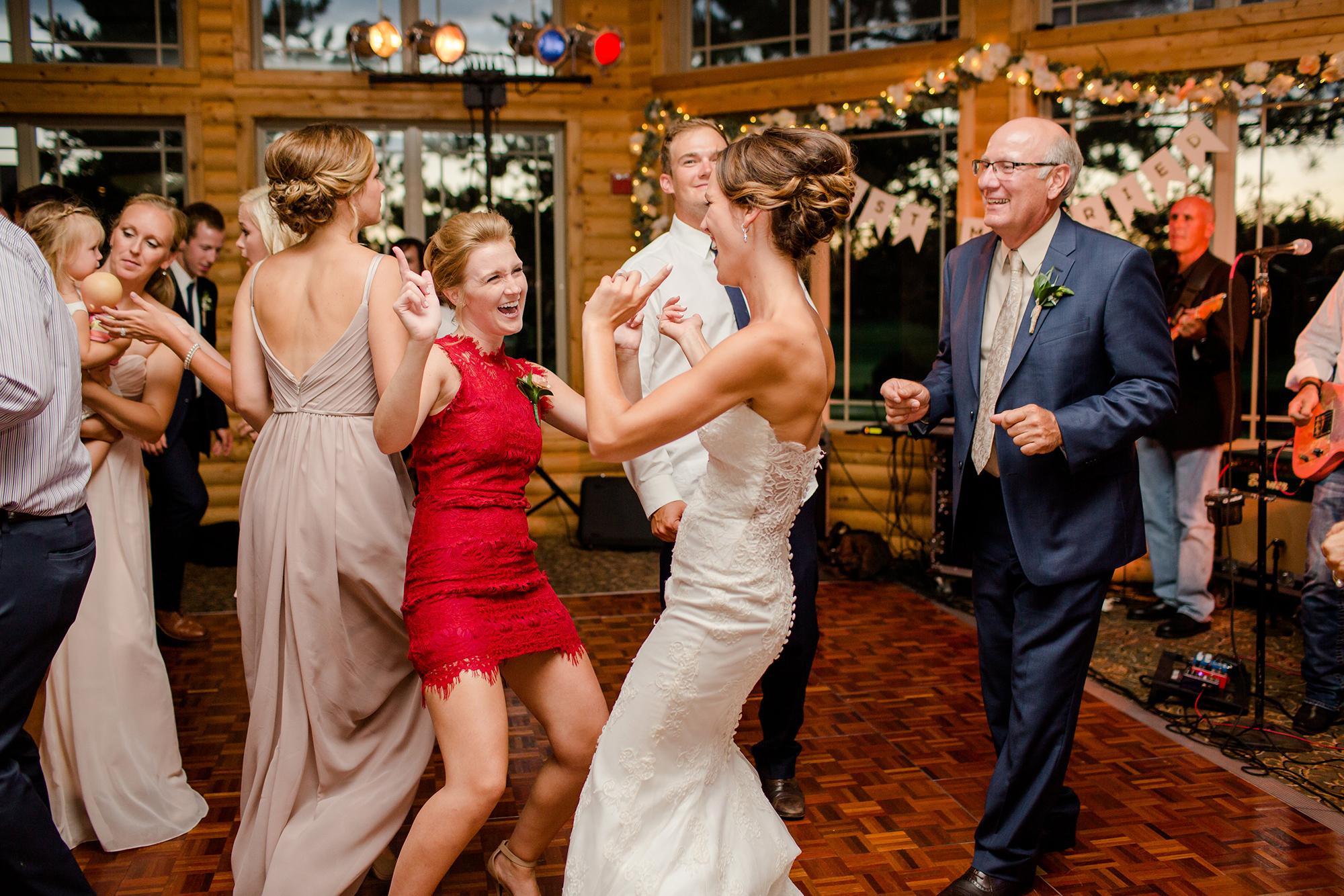 wedding dance at Thumper Pond